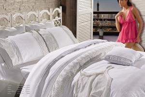 Элитное постельное белье GLORIYA (белый) с кружевом
