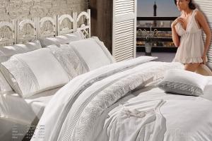 Элитное постельное белье GLORIYA (крем) с кружевом