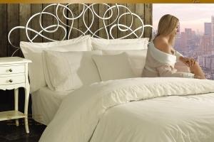 Элитное постельное белье HELENA (крем) с кружевом